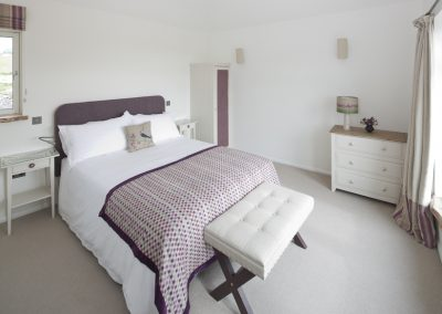 King-Size Hypnos Bed with silk-filled duvets